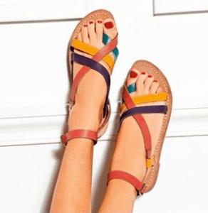 mode-sandale-plate-femme