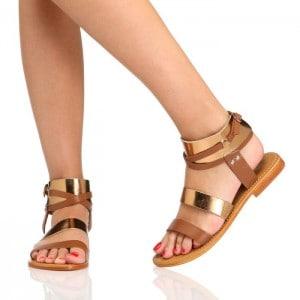 sandale-plate-femme