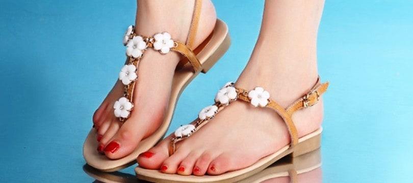 sandales-plates-pour-les-femmes