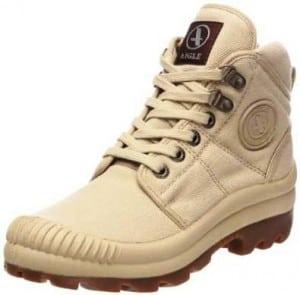 317a93415d8 Ceci un genre de chaussure de marche légère pour femme. Fabriqué avec de la  toile