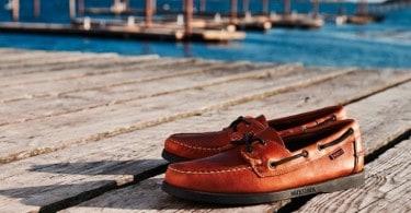 chaussure-bateau-avec-lacet-homme