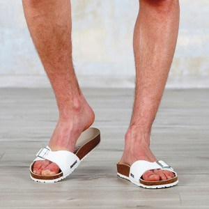 mode-sandale-plage-homme