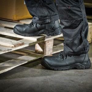 chaussure-de-securite-homme-mode