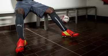 Mario Balotelli wears PUMA evoPOWER iFG football boots