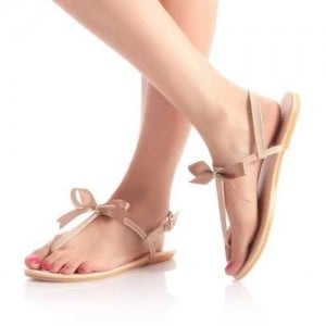 modele-sandale-plastique-femme