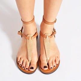 sandale-pour-plage-tendance-femme