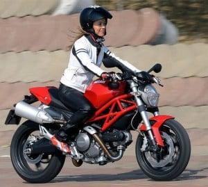 style-botte-de-moto-femme