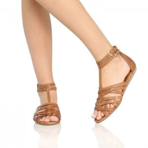 style-sandale-en-cuir-femme