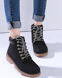 mode-boots-bottines-a-lacets-femme