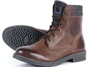 Les femmes d affaires qui se déplacent souvent en moto seront certainement  conquises par cette chaussure de moto de la marque de chaussures pas chères  ... f25f8a8e93b4