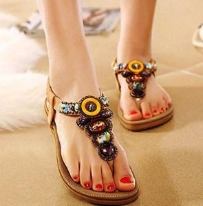 tendance-sandale-de-marque-femme