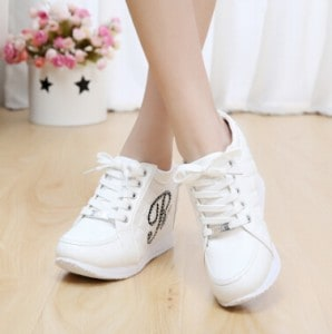 modele-de-chaussure-sneakers-femme